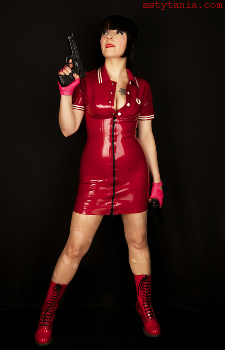 Fred-perry-latex-dress_2