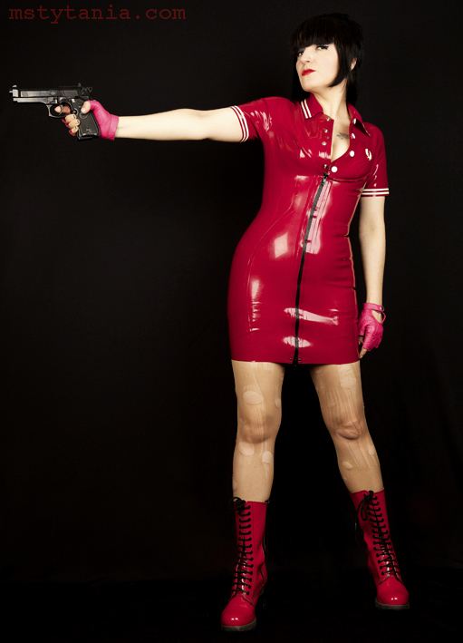 Fred-perry-latex-dress_3