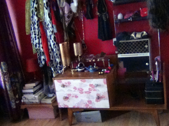 boudoir-vanity-table