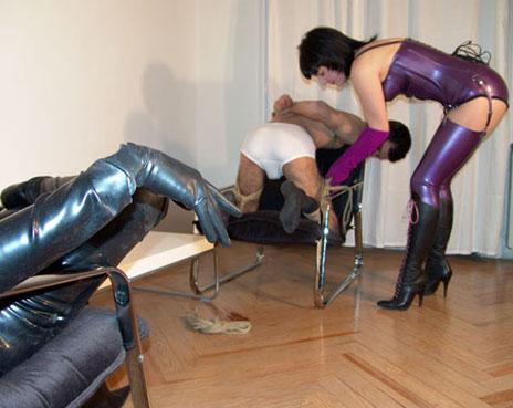 bondage_chair_voyeur_2
