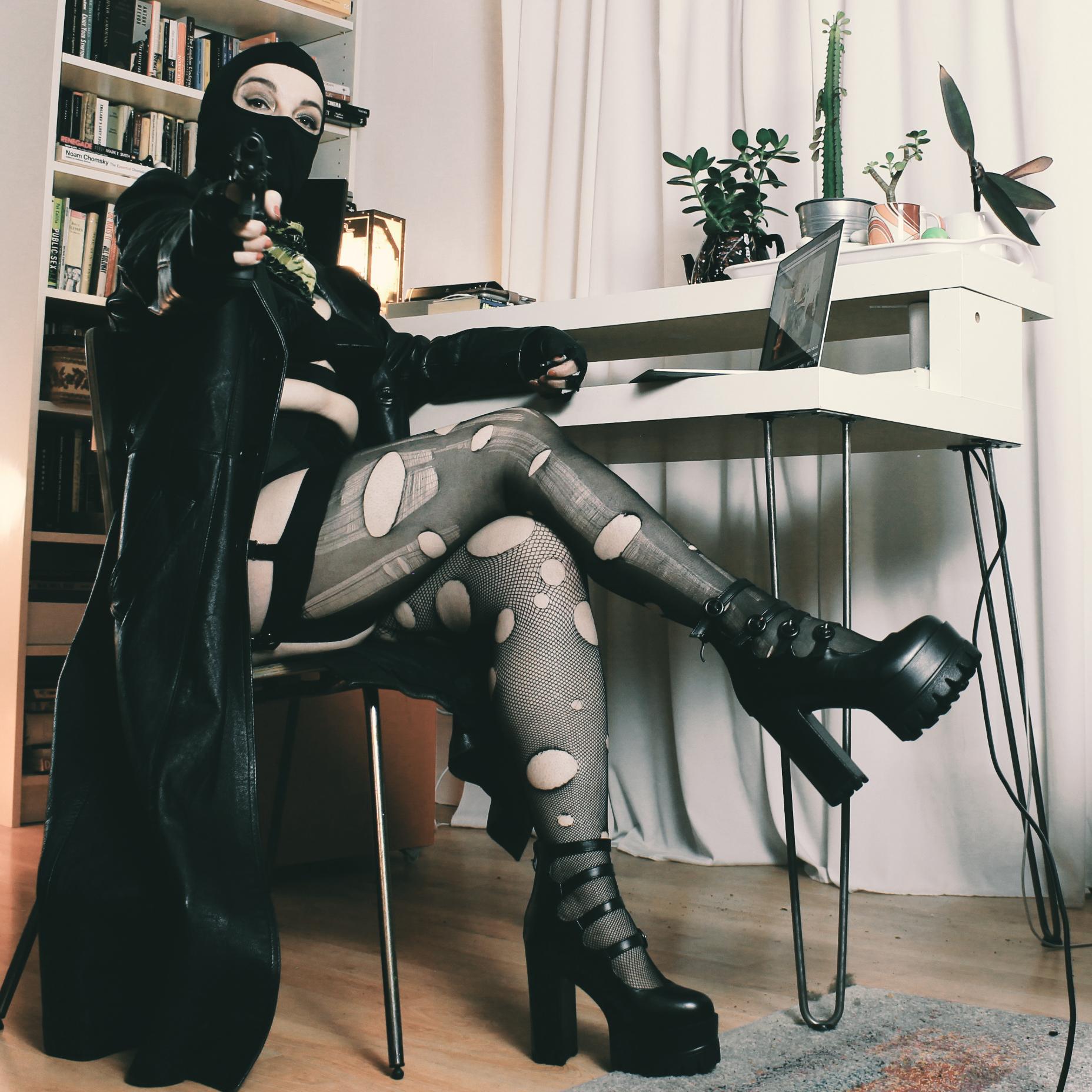mature london punk mistress