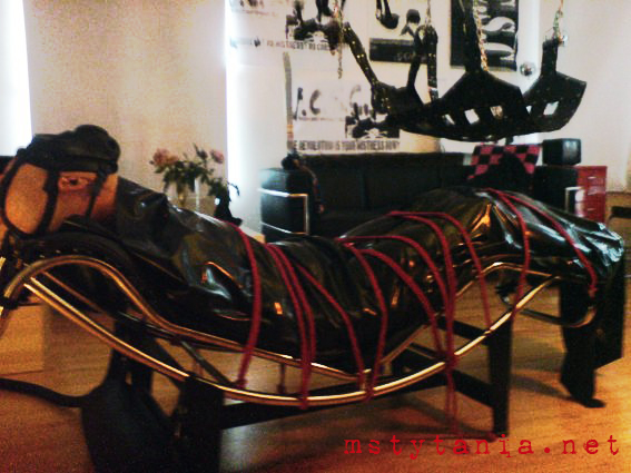domme bdsm dungeon london